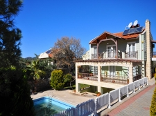 Detached Villa with Self Contained Apartment
