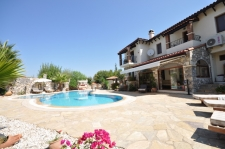 Stunning Villa with Large Private Garden in Ovacik