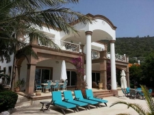 Luxury Torba Villa Prime BeachFront 8 Bedrooms