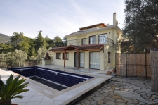5 Bedroom Uzumlu Villa With Forest Location