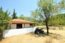 Renovated Bungalow on a Large Plot in Nif