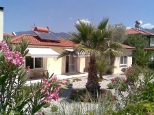 Beautiful Bungalow with Separate Guest House