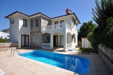 Detached villa for sale in Uzumlu with pool and furnished