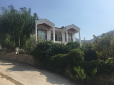Detached Villa on Large Garden and Private Swimming Pool