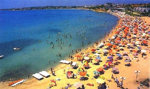 Altinkum Beach is a popular holiday spot.