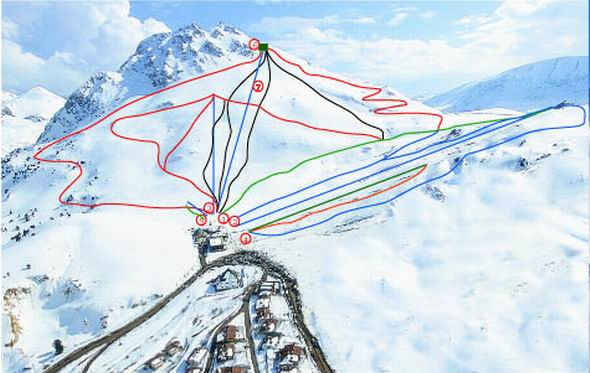 Saklikent Skifield has a number of interesting and scenic ru