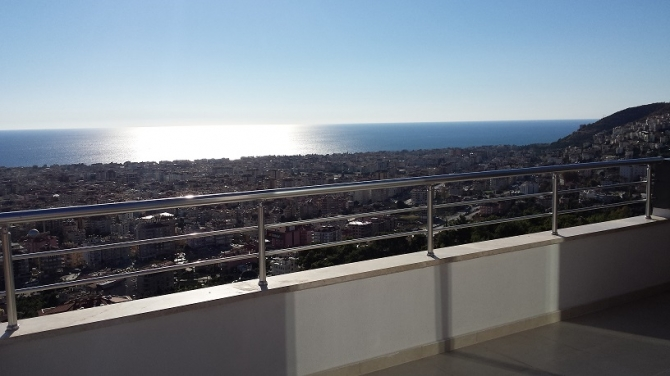 Alanya Penthouse with Uninterrupted Sea Views 3 Bedrooms