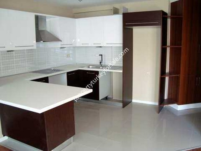 Large practical fully kitted kitchens