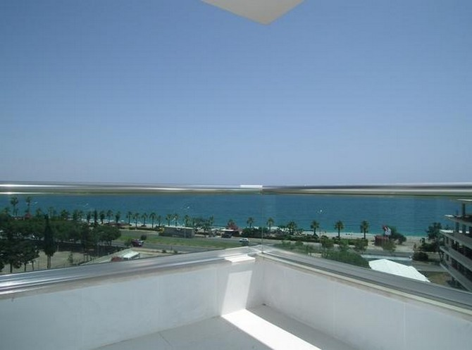 Seafront Antalya Penthouse with Sea View 4 Bedrooms
