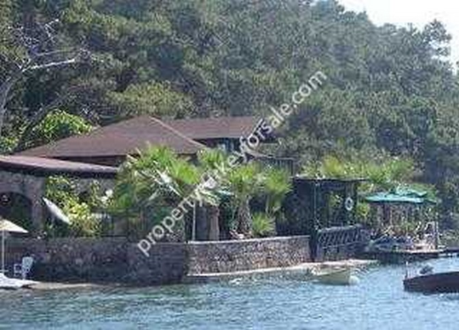 Bozburun Villa Beachfront with Guest House and Jetty 4 Bedrooms