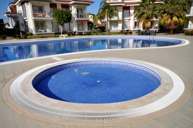 2 Bed Apartment in a Fantastic Complex with Swimming Pool