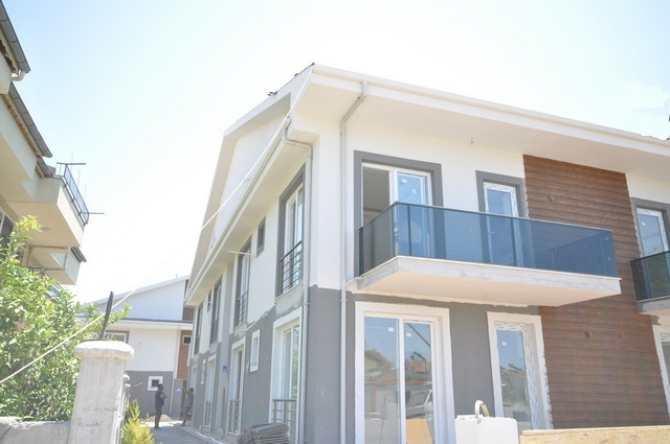 3 Bedroom Duplex Apartment with Large Swimming Pool For Sale (SOLD)