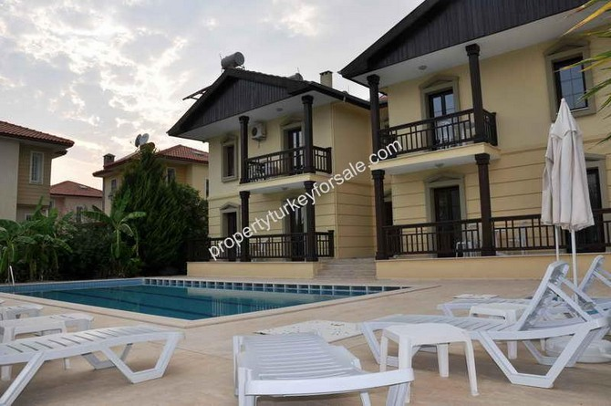 6 Apartments and Detached Villa
