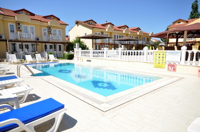 4 Bedroom Triplex Villa with Swimming Pool For Sale
