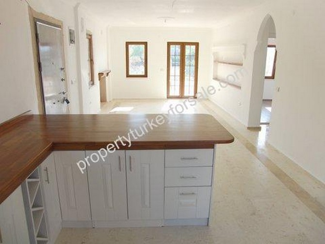 Open Plan Kitchen Breakfast Table