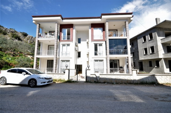 Spacious 3 Bedroom Ground Floor Apartment For Sale