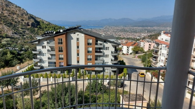 4 Bed Duplex Apartment with Unobstructed Sea Views