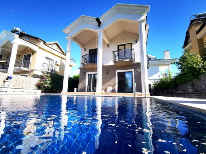 Refurbished 3 Bedroom Detached Villa with Private Pool (SOLD)