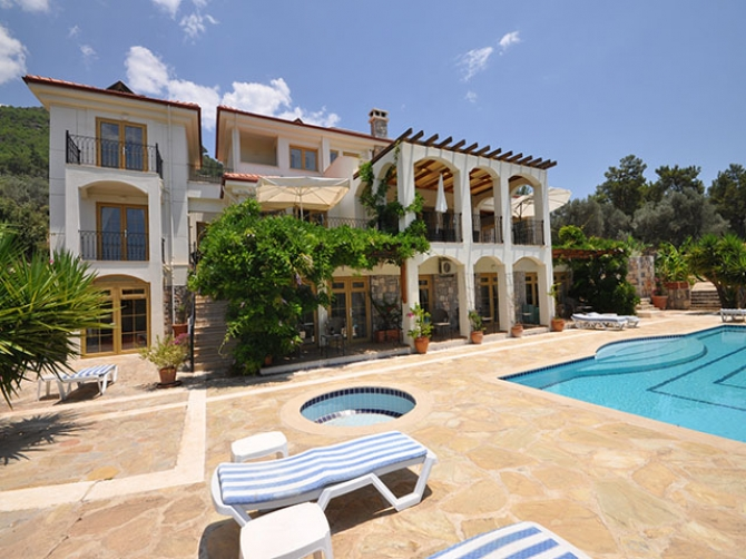 Elegant Mansion in Gocek Town