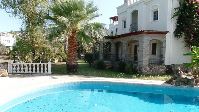 Triplex Villa In Secluded Estate in Kucukbuk Bodrum