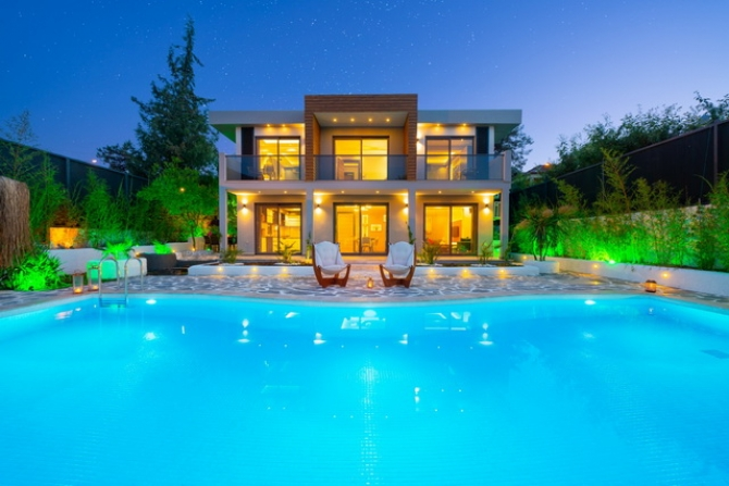 3 Bedroom Detached Luxury Villa with Swimming Pool