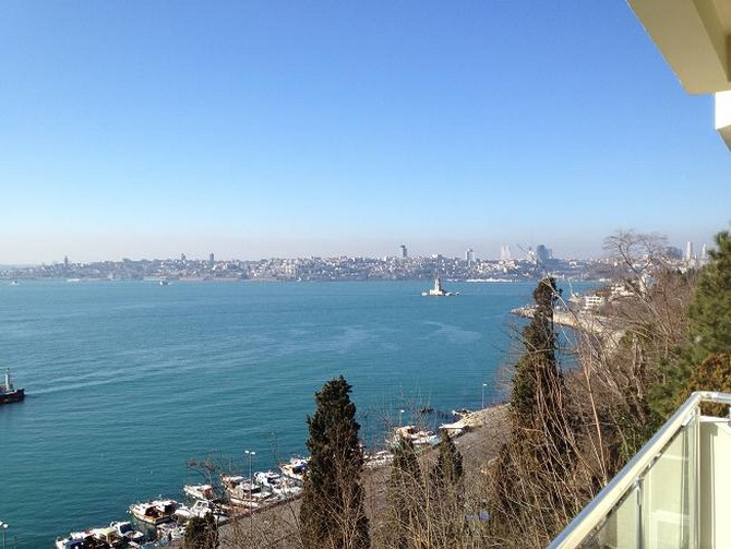Waterfront Apartment in Istanbul Uskudar 6 Bedrooms