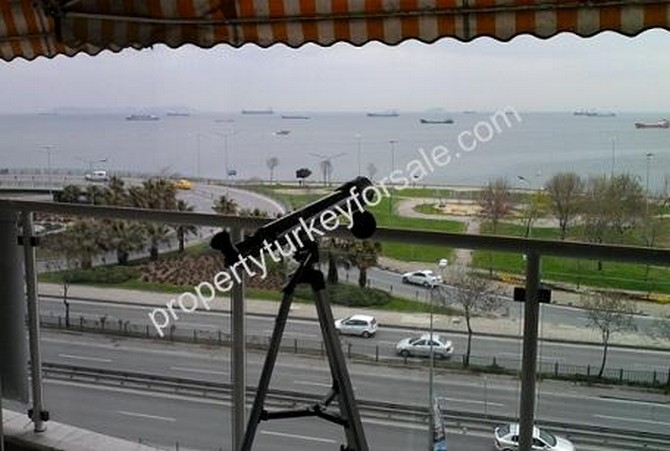 Istanbul Bakirkoy Apartment with Excellent Sea View