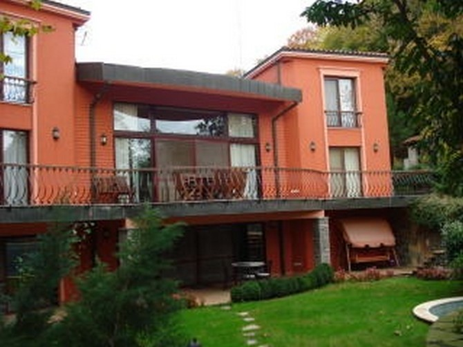 Villa in Istanbul with Large Garden and Pool 8 Bedrooms for sale