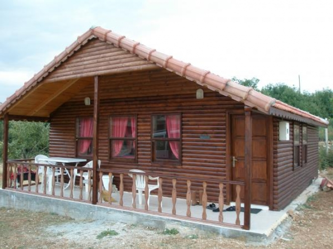 Wooden Chalet in Tranquil Area of Gombe