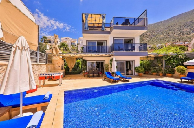 3 Bedroom Detached Villa with Pool and Amazing Sea View