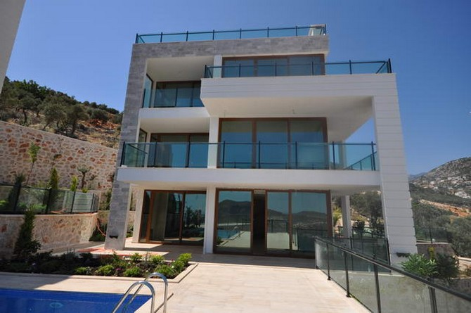 Contemporary Kalkan Villa Elevated Position 5 Bedrooms PRICE REDUCED