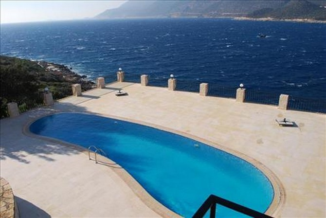 Large pool and pool terrace
