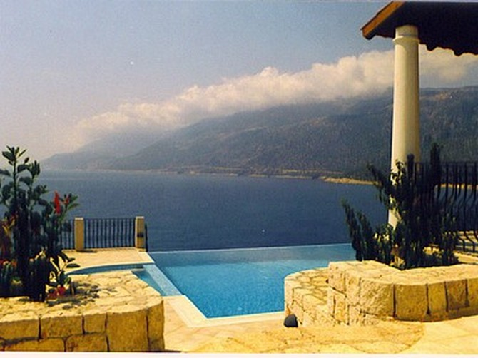 Beautifully presented villa with unobstructed views