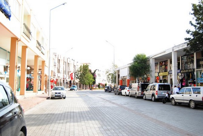 Commercial building with high rental income in Kemer