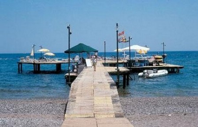 Seafront hotel for sale in Kemer 200 rooms