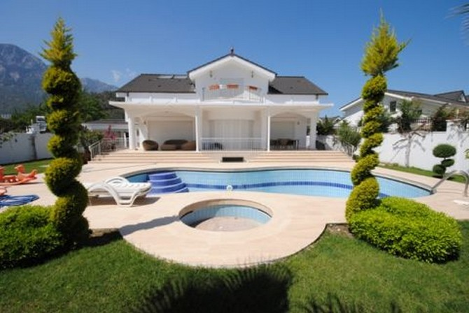 Stunning Kemer Villa in the heart of town 7 bedrooms for sale