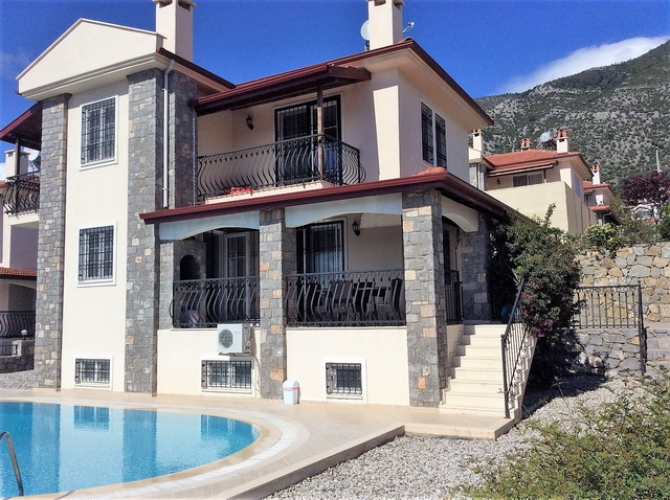 5 Bedroom Detached Villa with Private Pool and Mountain View