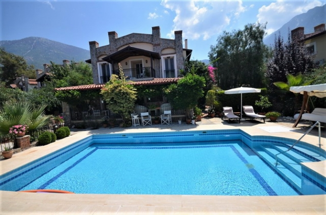 Fully Furnished Beautiful Detached Villa with Private Pool