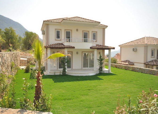 Detached Villas With Communal Pool in Ovacik