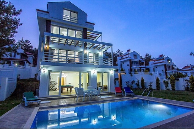 4 Bedroom Detached Villa with Private Swimming Pool (SOLD)