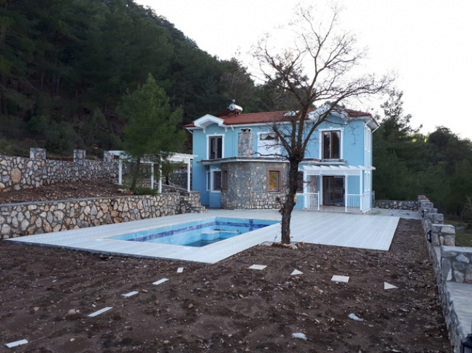 Uzumlu Villa with Private Swimming Pool and Garden