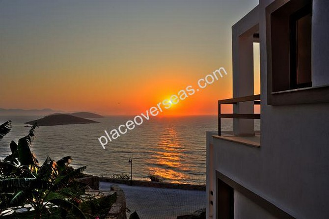 Waterfront Yalikavak Penthouse Private Beach 2 Bedrooms