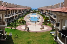 2 Bedroom Waterfront Duplex Apartment in a Complex