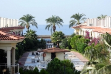 3 Bedroom Luxury Beach Apartment with Seaviews