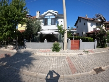 Centrally Located Refurbished 3 Bed Villa For Sale