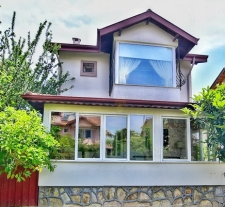 4 Bedroom Refurbished Detached Triplex Villa