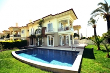 4 Bedroom Beach Front Villa In Calis With Private Pool And