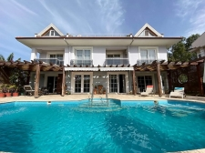 5 Bedroom Luxury Detached Villa with Private Pool For Sale