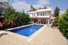 7 Bedroom Triplex Villa with Private Swimming Pool
