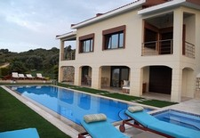Elegant Cesme Villa Fully Furnished 5 Bedrooms